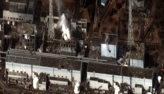 Fukushima Daiichi Nuclear Power Station,  Reactors 1 to 4 from right to left.16 March 2011, 09:35 AM (local time)  CC BY-SA 3.0  by Digital Globe
