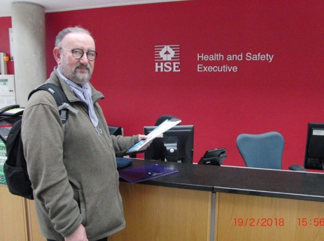 Martyn Lowe of Close Capenhurst trying to Deliver Petition and Letter to HSE.jpg